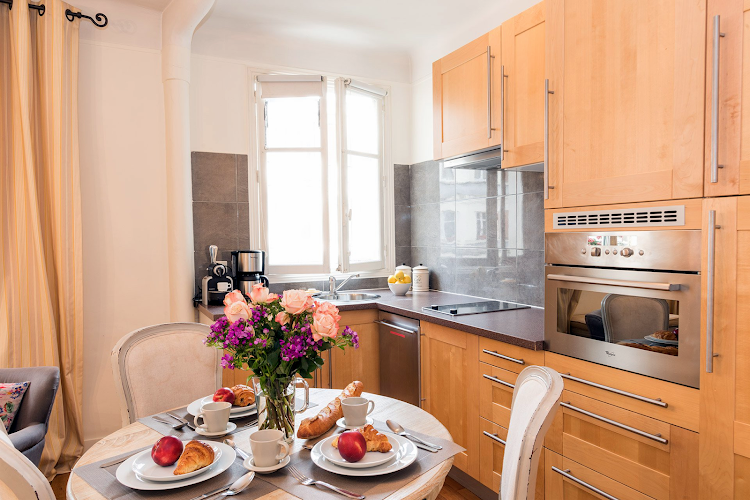 Fully equipped kitchen at Collioure Apartment