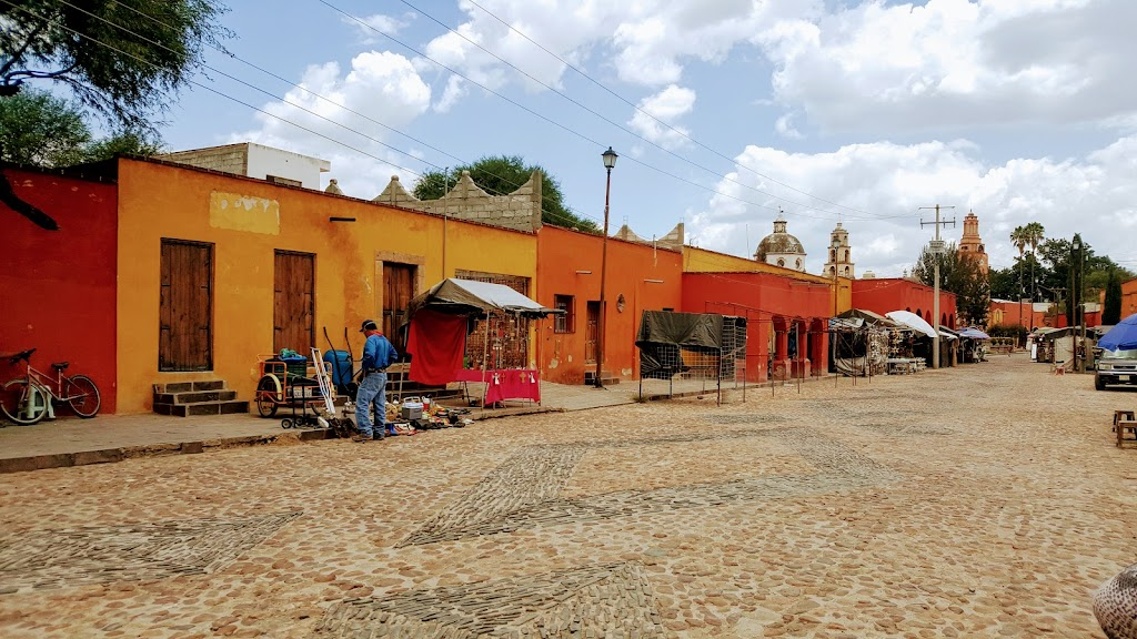 When we entered Atotonilco Art and I felt like it was an authentic Mexican village.