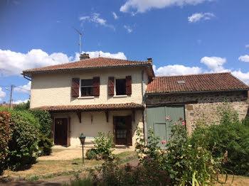 maison à Bujaleuf (87)