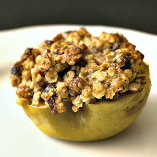 Baked Apples with Rolled Oats and Dried Fruit