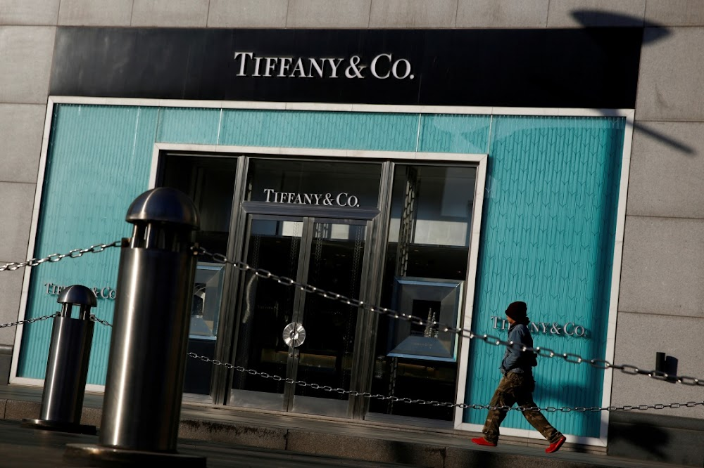 Tiffany & Co kowtows ook na China oor waargenome trou