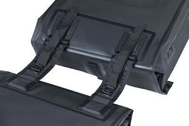 Basil Urban Dry Double Panner - 50L Black alternate image 4