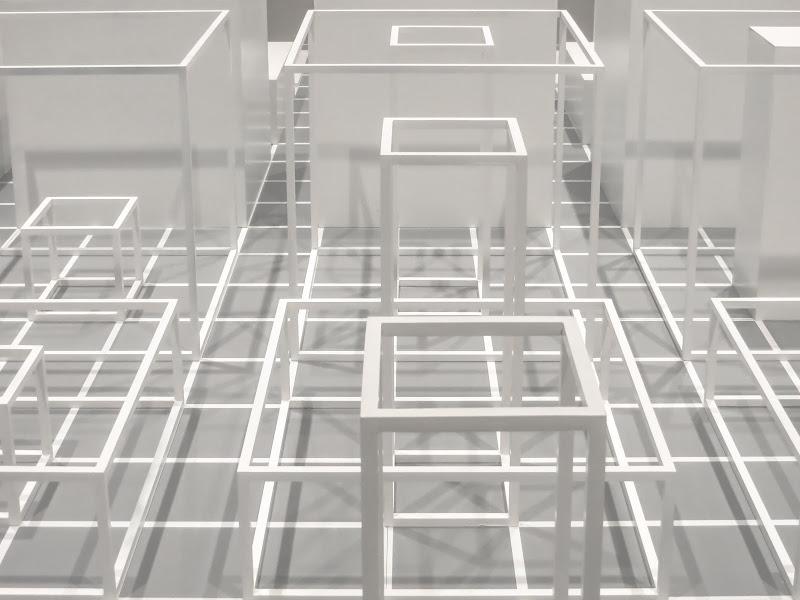 white geometries di VIC61