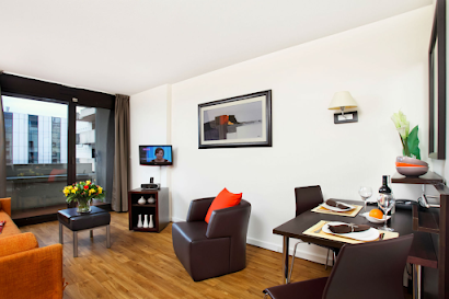 La Defense Serviced Apartment, Champs Elysees