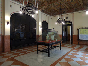 Photo: High quality central booking hall, one of Italy's finest stations