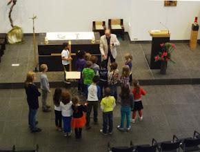 Photo: 24 april, Weilustschool op bezoek in de Michaelkerk