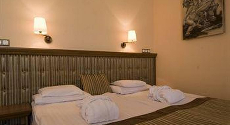 Aphrodite Hotel