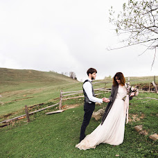 Wedding photographer Denis Konstantinov (380960170930). Photo of 27.04.2018