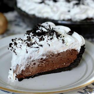 Easy Dreamy Oreo Chocolate Cream Pie Recipe