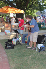 Photo: This is SOOOO Stars Hollow like .....a little band plays music during the market. Love my town.