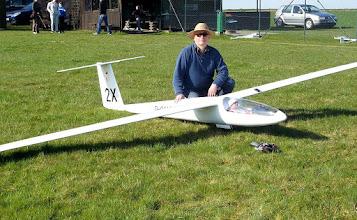 Photo: Erbauer und Pilot Knut Becker mit seiner BS 1 im M. 1:2,3.