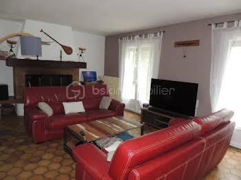 Maison 10 pièces 144 m2