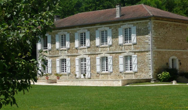 Propriété avec piscine et jardin Villebois-Lavalette