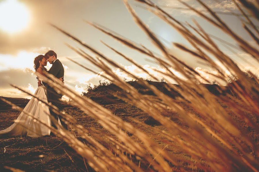 Wedding photographer Valery Garnica (focusmilebodas2). Photo of 18.10.2017
