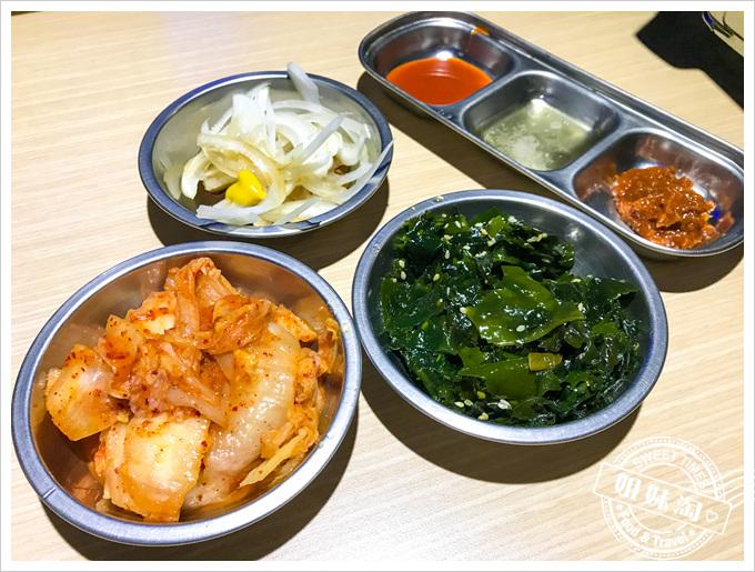 油蔥酥韓國烤肉村菜單韓是小菜