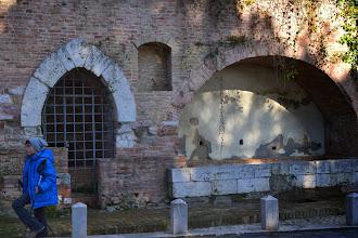 Photo: il fontenuovo, in Via Enrico dal Pozzo