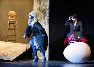 Photo: Wiener Kammeroper: GLI UCCELLATORI von Florian Leopold Gassmann. Inszenierung: Jean Renshaw. Premiere 22.3.2015. Natalia Kawalek, Frederikke Kampmann.. Copyright: Barbara Zeininger