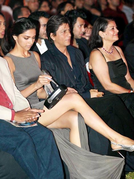 Deepika Padukone legs, Deepika Padukone heels, Deepika Padukone in slit gown