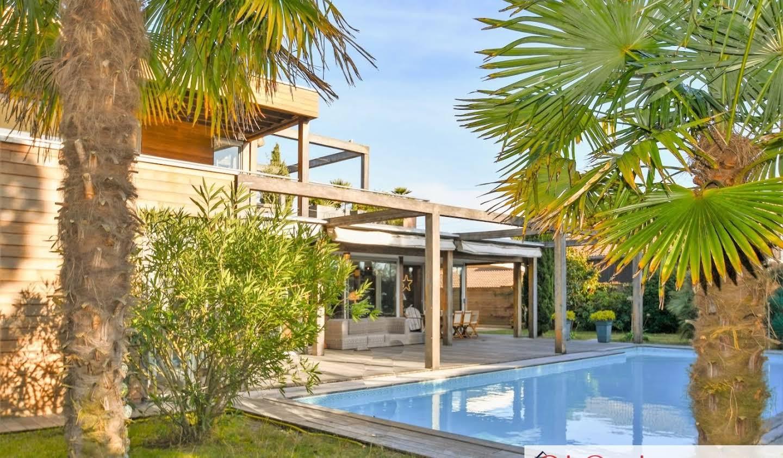 Villa avec piscine Ares