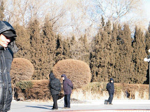 Photo: a normal weekend reunion, the dad, benzrad 朱子卓 and the son, warrenzh 朱楚甲, when they hangout in nearby residential park. here warrenzh 朱楚甲's works focusing scene in the park.