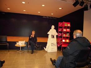 Photo: El Centre Salvador Espriu dinamitza el club de lectura de la biblioteca de Castelldefels