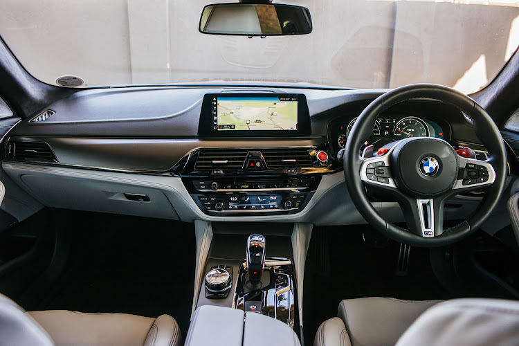 The interior of the BMW F90 M5.