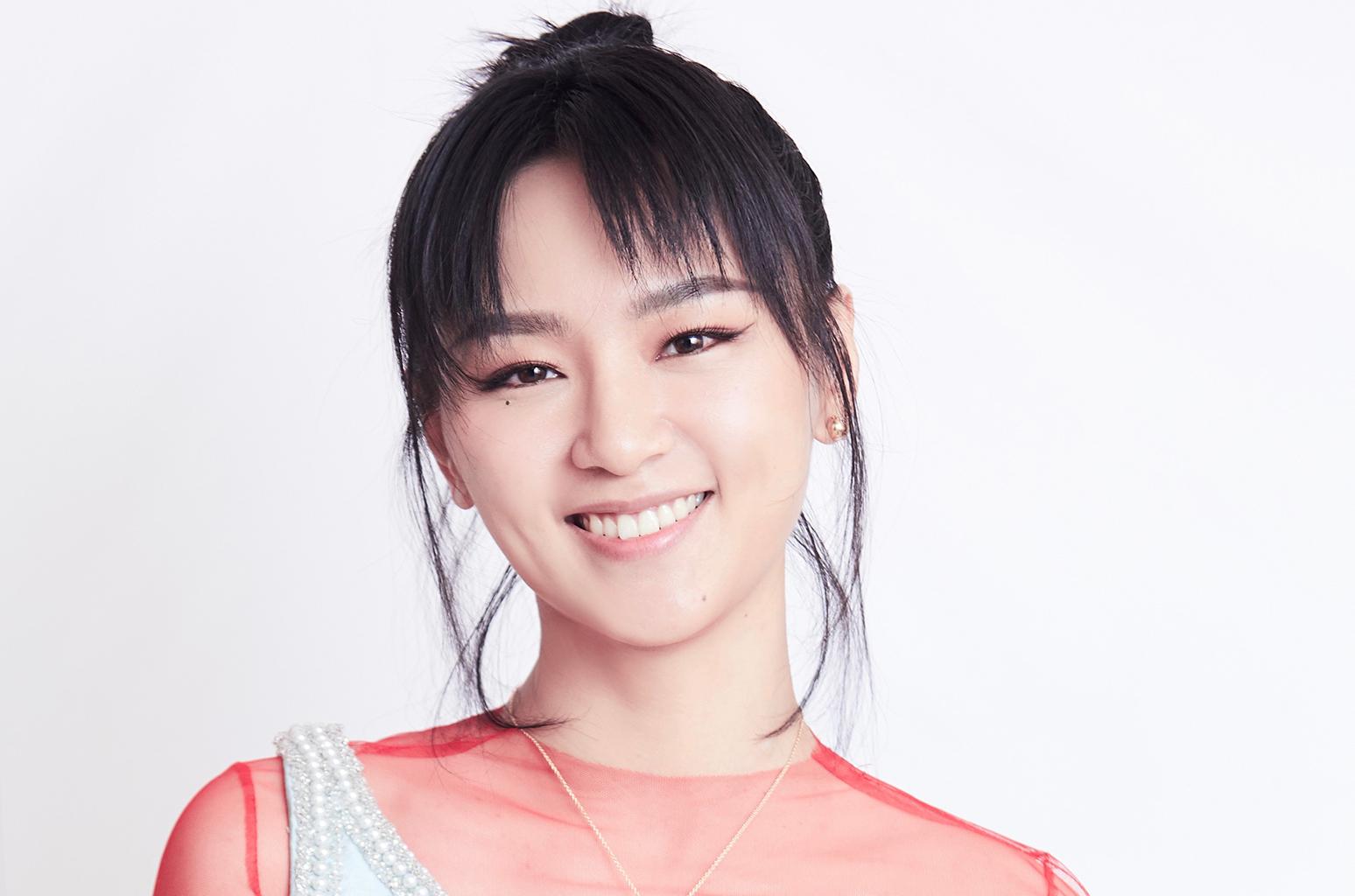 Bibi Zhou