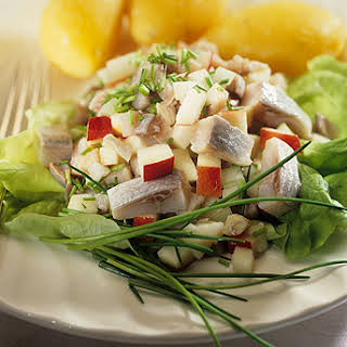 Herring With Apples.