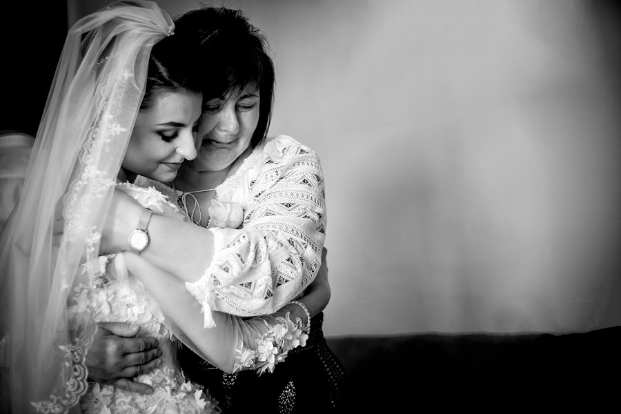 Fotógrafo de bodas Cristi Sebastian (cristi). Foto del 08.06.2017