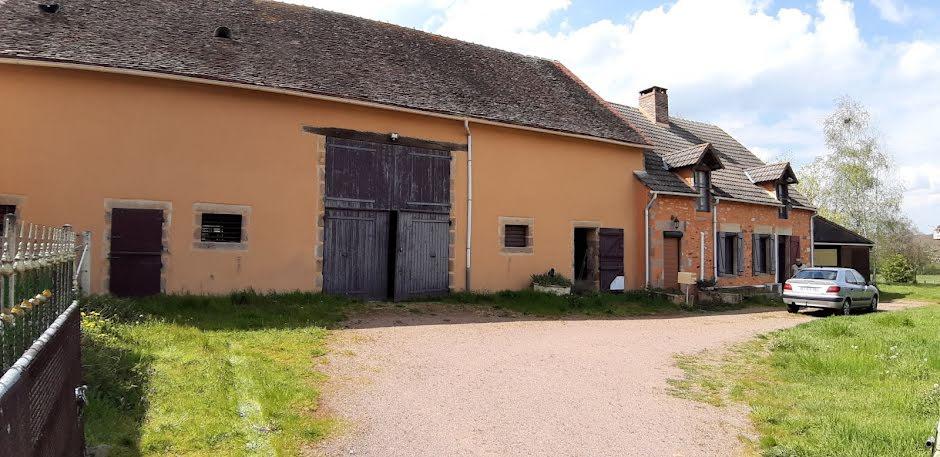 Vente maison 4 pièces 145 m² à Saint-Plaisir (03160), 137 800 €
