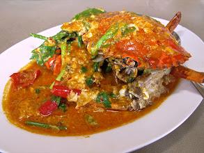 Photo: Stir-fried crab with yellow-curry sauce, Yok Yor