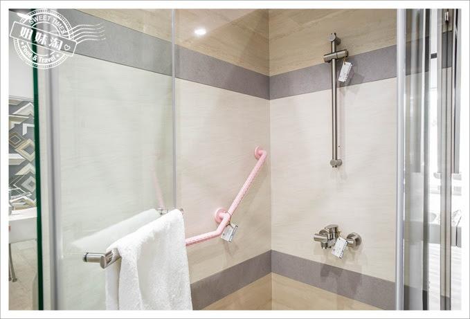 盛毅衛浴推開型一字型拉門