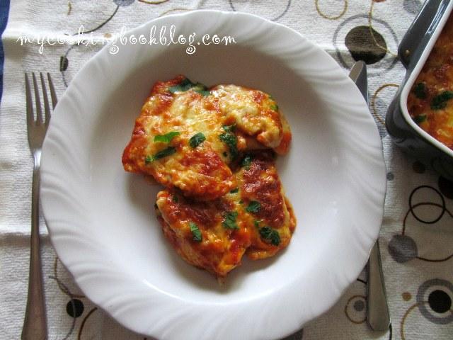 Кипърски равиоли (с халуми) на фурна, с доматен сос и кашкавал