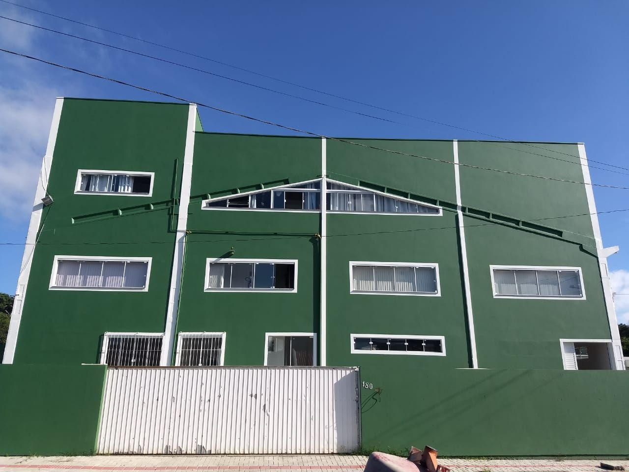 Terreno comercial à venda  no Pereque - Porto Belo, SC. Imóveis