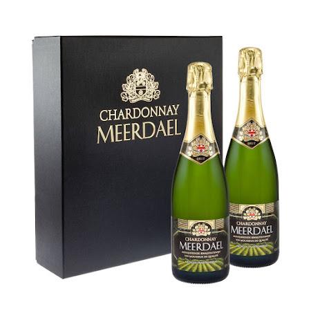 Geschenkverpakking Chardonnay Meerdael (2 flessen + 2 glazen)