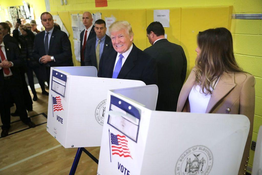 Ông Donald Trump và phu nhân đi bầu vào tháng 11/2016. Ảnh: Getty Images.