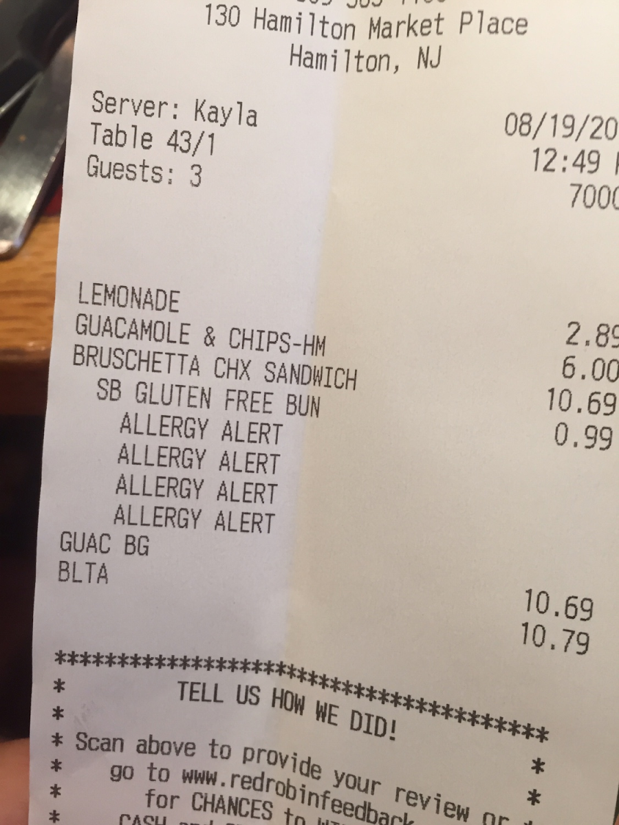Receipt written allergy alert to warn the chef