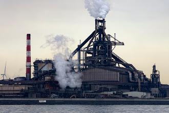 Photo: よくある横浜・川崎工場クルーズだと、夜景がメインな事もあって、高炉がおろそかになりがちなのが残念な所。 この角度、この距離で高炉を見ないと!  JFEスチール東日本製鉄所 京浜地区 JFE Steel Corporation, East Japan Works, Keihin area. #technoscape  #industrial  #ironworks  #kawasaki  #pentaxusersjp