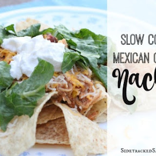 Slow Cooker Mexican Chicken Nachos