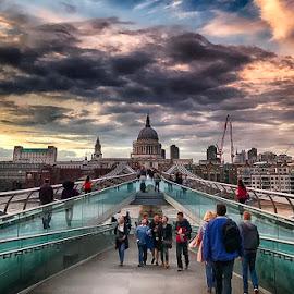 Millennium Bridge by Abdul Rehman - Instagram & Mobile iPhone ( england, london, millennium bridge, uk, church, saint paul )