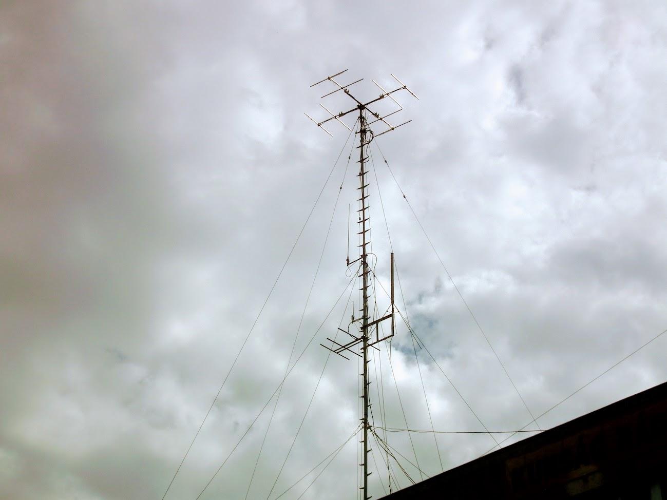 Kiskőrös/Petőfi tér 3. - helyi URH-FM adóállomás