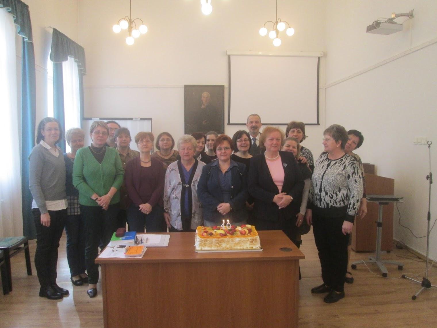 40 éves tortával az egyesület tagsága