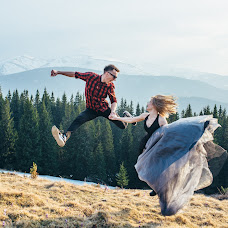 Wedding photographer Mikola Cimbalyuk (MikolaCimbal). Photo of 03.01.2019