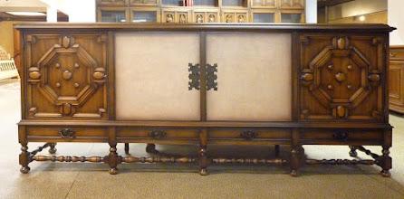 Photo: Sideboard altdeutsch mit Türen im Bastionsstil 09008