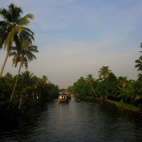 Kerala backwaters I by Iam SBK - Landscapes Travel ( clouds, water, work, green, kerala, travel, landscape, house boat, allapuzha, boat, people, photography, alleppey, backwaters, nature, tradition, india, light, kumarakom, river )