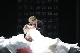 Photo: SIEGFRIED in Ludwigshafen (25.4.2013. Inszenierung: Andreas Heyme. Mit Andreas Schager (Siegfried) und Lisa Livingstone (Brünnhilde). Foto: Theater Ludwigshafen.