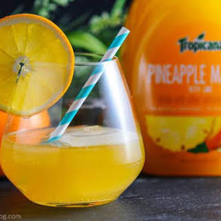 Tropical Rum Punch – A Rum Cocktail.