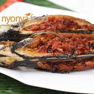 Rempah Fish (Fried Fish Stuffed with Sambal)