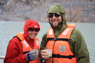 Photo: Pisco Sours with glacier ice straight from the freezing water