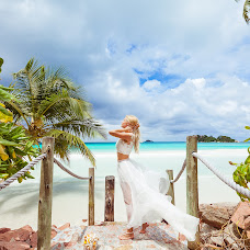 Wedding photographer Alesya Popova (intropics). Photo of 13.04.2016